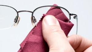 brille--putzen